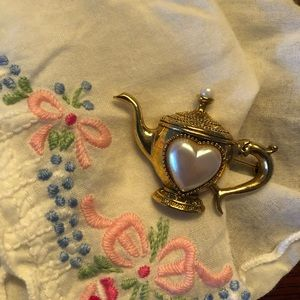 Vintage 1928 teapot brooch